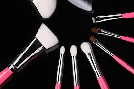 the use of diffe brush 1 flat top flat top is most monly used for foundation