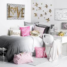 Pink And Black Bedroom Decor Black White And Pink And Metallic Room And Board