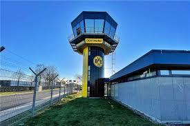 Check spelling or type a new query. Tower Am Dortmunder Flughafen Strahlt Jetzt In Den Farben Des Bvb