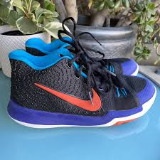 Fanatics has kyrie irving nets jerseys and gear to support the new nets player. Nike Kyrie Irving 3 Boys Basketball Shoes