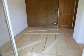 Für fußböden und decken bestens geeignet. Fussbodensanierung Im Altbau Unterkonstruktion Fur Dielenboden