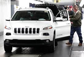 fiat chrysler discovers wiring problem in 410 000 vehicles chrysler fiat announces jeep brand will anchor company overhaul