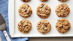 easy and delicious oatmeal raisin cookies