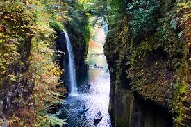 「高千穂峡 紅葉」の画像検索結果
