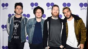 Fall Out Boy There S A Light On In Chicago Fall Out Boy Are Growing Up And So Are We Mtv