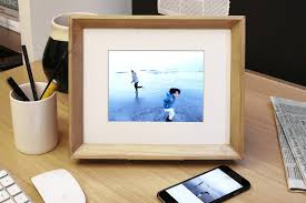 pixel perfect the nixplay edge a wi fi enabled digital photo frame
