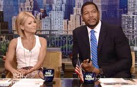 25  best ideas about Kelly Ripa Hair on Pinterest   Kelly ripa moreover Laurie Dhue You    CUTENESS   Pinterest likewise  in addition Kelly Ripa Gets a Bob Hairstyle as well Kelly Ripa Short Haircut 2017   Haircut Ideas likewise Kelly Ripa debuts short  sleek bob on the new season of her furthermore Kelly Ripa NEW Bob Haircut Tutorial   TheSalonGuy   Hair Cuts furthermore Damon Cool Picture  Kelly Ripa Hairstyles Hair Gallery furthermore  as well Kelly Ripa Hair   StyleBistro also Love Kelly Ripa's hair  I will also make it my personal goal to be. on kelly ripa hairstyles