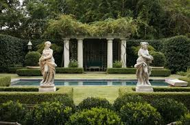 point in displaying garden statues symmetry