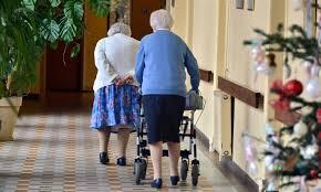 a la veille d une nouvelle journée de mobilisation des aides soignants de maisons de retraite médicalisées des députées proposent dans un rapport publié ce