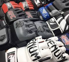 Ufc Glove Size Chart The Best Mma Gloves Top 10 Gear Guide 2019 The Mma Guru