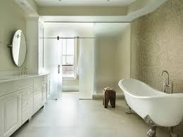 The Elegance And Charm Of The Clawfoot Bathtub - Clawfoot tub bathroom