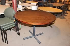 round lunchroom table