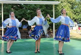 Romanians romanian women dancers