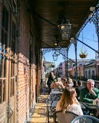 outdoor al fresco dining
