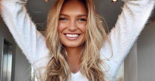 beauty tutorial how to do a natural everyday makeup look like victoria s secret angel romee