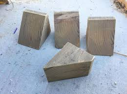 how to make handmade corbels for shelving in your home