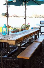15 gorgeous backyard dining tables made