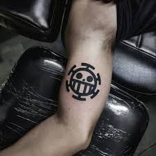The season began broadcasting in japan on fuji television on july 18, 2010 and ended on september 25, 2011. 101 Amazing Trafalgar Law Tattoo Designs You Need To See Outsons Men S Fashion Tips And Style Guide For 2020