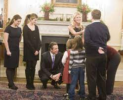 Inside the governor's mansion meeting that set stage for skyway turnabout mark sommer jun 14, 2021. Gov Cuomo Offers Hot Chocolate Cookies And Small Talk To The Vistors At Annual Open House Gathering At Albany Mansion New York Daily News