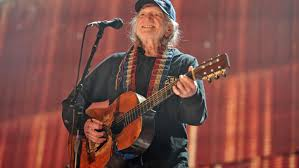 <b>Willie Nelson</b> has quit marijuana smoking after breathing issues