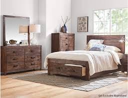 Warner Chestnut Queen Bedroom Set