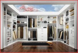 Bedingungslos Kleiderschrank Einrichten Wie Räumt Man Einen Besser