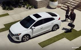 2018 hyundai plug in. brilliant hyundai 2018 ioniq plugin hybrid in ceramic white inside hyundai plug