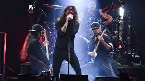 The rocker died wednesday night in detroit. Chris Cornell Tribute Miley Cyrus Impresses Soundgarden Reunites