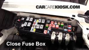 replace a fuse 2005 2012 ford escape 2011 ford escape xlt 2 5l 6 replace cover secure the cover and test component
