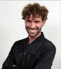 Amici 17: ecco chi è il cantante Luca Vismara (biografia e curiosità)