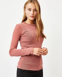 → T-shirts from Moves | Shop t-shirts for women | Moves
