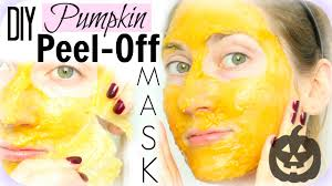 Egg and gelatin face mask