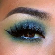 makeup geek gel liner electric as a base makeup geek eyeshadow neptune as the lid color makeup geek eyeshadow corrupt in the crease makeup ge