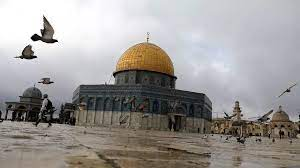 المسجد الأقصى موقع مقدس ومصدر توتر في القدس بين الفلسطينيين والإسرائيليين  منذ عقود