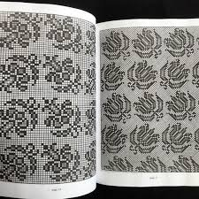 クロスステッチ図案1660年からのクロスステッチパターン集 Vol117世紀デザイン刺繍方法作成作り方鳥柄渦