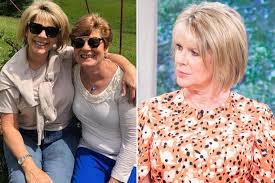 Ruth Langsford's tragic sister Julia Johnson found hanged in garage at  family home - Mirror Online