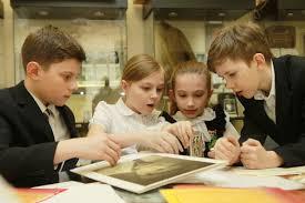 Московские школьники побили свой прошлогодний рекорд по количеству  Московские школьники получили больше 800 дипломов Фото архив