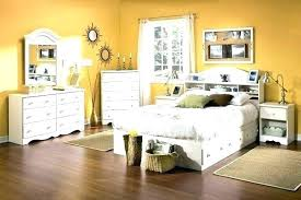 White Distressed Bedroom Furniture Sets Distressed White Bedroom ...