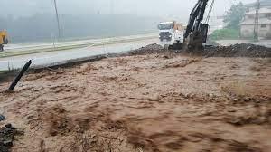 Son dakika... Rize'de sel felaketi: 1 ölü, 4 kişi kayıp - Son Dakika  Türkiye Haberleri