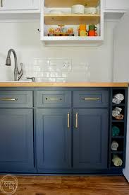 i ve been wanting to replace the cabinet doors in my kitchen look at