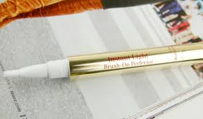 Instant Light Brush On Perfector Clarins Review Clarins Ladylike Collection Look Review And Swatches