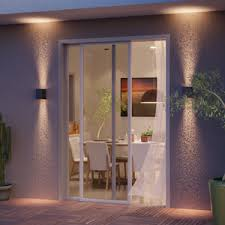 Quando escrevemos sobre casas bonitas, casas na cidade ou casas de campo, nós falamos sobre casas onde o vidro faz parte da arquitetura. Portas De Correr Precos Imperdiveis Leroy Merlin