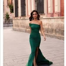 Alamour The Label Size Chart Estrella Gown In Emerald By Alamour Label Nwt
