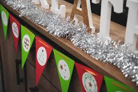 whether you re looking for a fun holiday activity or are trying to save on decorations this diy bunting project will add a dose of cheer to your