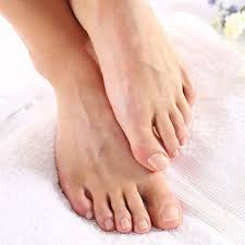 Itchy Feet After Shower – What Causes It and How Is It Treated?