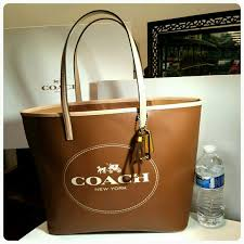 New Coach Saffiano Leather large metro tote brown