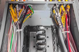 an overview of wiring an electrical circuit breaker panel how to wire a breaker box for 220v at Circuit Box Wiring