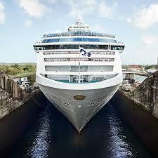 cruise ship in panama c lock