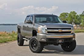 lifted Chevrolet Silverado trucks   ❤️Somethin' bout a truck ...
