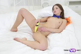 Lonely Babe With Neda Bow Tie Naked Sweetie VR Porn Video.